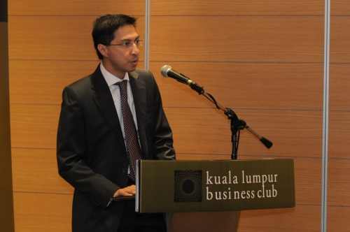 (21 March 2013) Breakfast Briefing on with Dr Farish Noor - 7