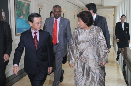 (23 March 2010) KLBC Luncheon with Singapore DPM and Minister of Home Affairs - 1