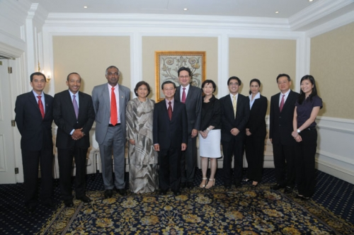 (23 March 2010) KLBC Luncheon with Singapore DPM and Minister of Home Affairs - 10