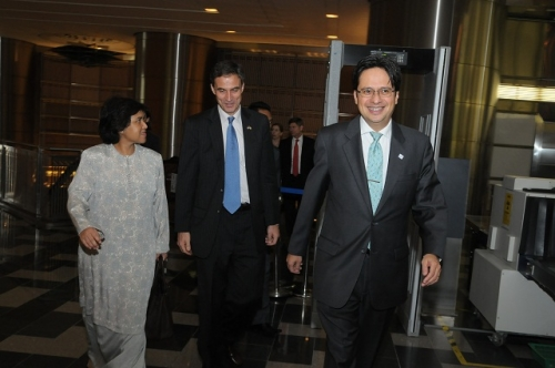 (30 May - 1 June 2012) Visit by US Senators John McCain and Joseph Liberman - 5