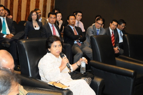 (31 January 2012) Fireside Chat with YB Dato  Mukhriz Mahathir - 13