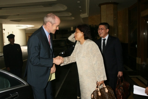 (3 July 2009) Dialogue with Vice Chairman of Goldman Sachs Asia - 1