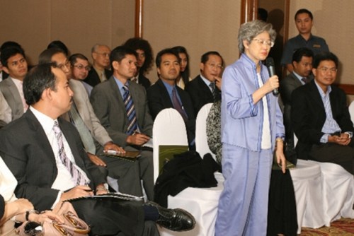 (3 July 2009) Dialogue with Vice Chairman of Goldman Sachs Asia - 12