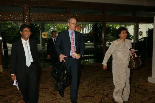 (3 July 2009) Dialogue with Vice Chairman of Goldman Sachs Asia - 3