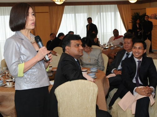 (6 October 2011) KLBC Luncheon in Honour of the Visit by US Senator - 10