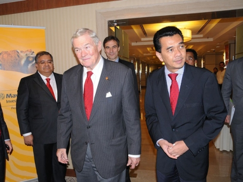 (6 October 2011) KLBC Luncheon in Honour of the Visit by US Senator - 5