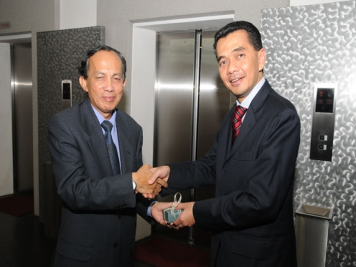(7 April 2011) Briefing on Sarawak s 10th State Election   Implications on GE13 - 13